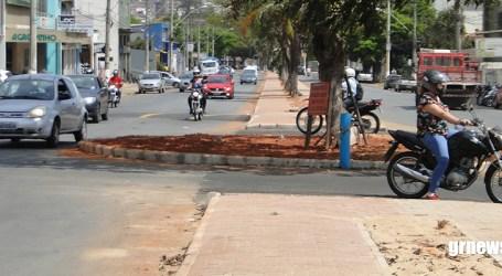 Após acidente em nova rotatória, Prefeitura se pronuncia sobre obras na Avenida Presidente Vargas