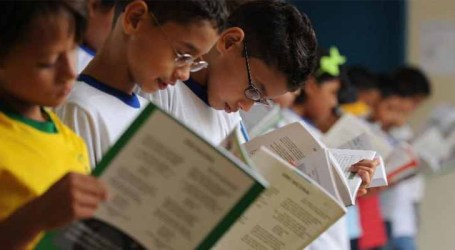Liberados recursos para escolas comprarem livros didáticos