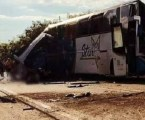 Colisão entre ônibus e caminhão mata 41 pessoas e Prefeitura de Itaí decreta luto