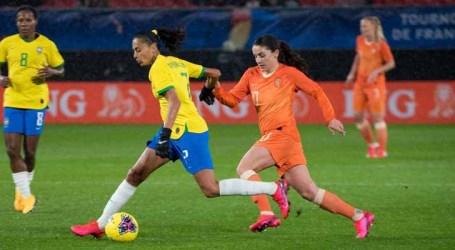 Seleção brasileira feminina sobe para sétimo no ranking da Fifa e passa Austrália