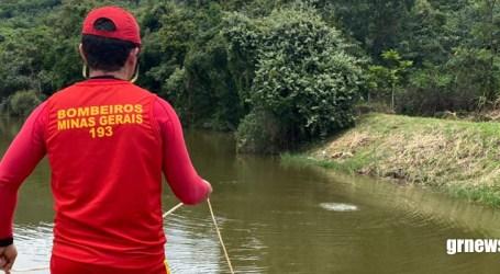 Bombeiros continuam buscas para encontrar jovem que teria se afogado em lagoa do Bariri 2