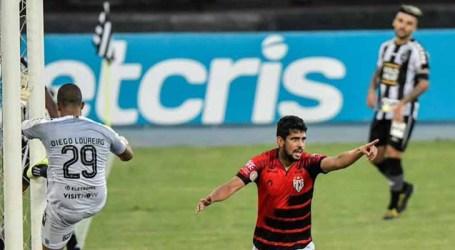Atlético-GO vence o Botafogo de virada no Rio
