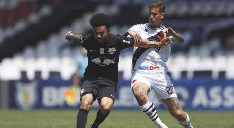 Vasco enfrenta o Bragantino tentando se afastar do Z-4