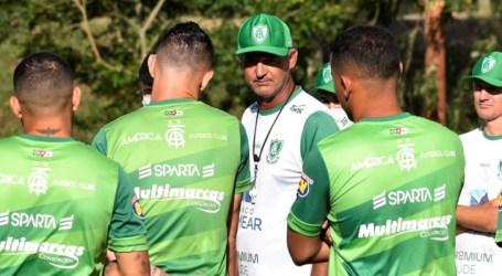 Coelho treina em Pelotas e está preparado para jogo decisivo contra o Brasil-RS
