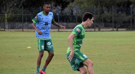 Já em Aracaju, Coelho treina e está pronto para buscar vitória sobre o Confiança