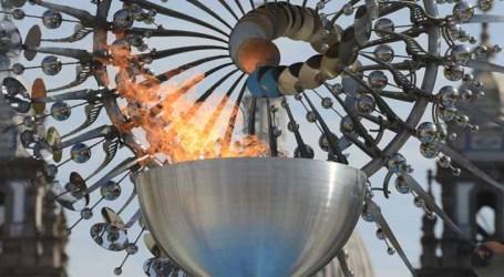 Pira Olímpica Rio 2016 é acesa para homenagear Jogos de Tóquio