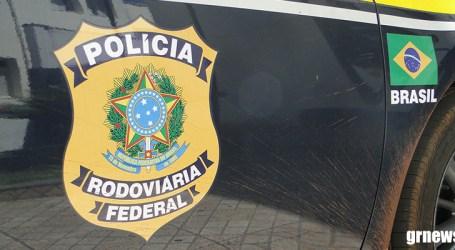 PRF desbloqueia rodovias federais ocupadas por caminhoneiros em oito estados