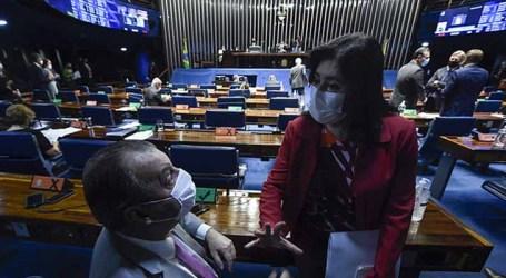 Senadores aprovam PEC da reforma eleitoral