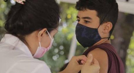 Rio de Janeiro vai manter vacinação de adolescentes de 14 anos contra a Covid-19