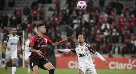 Pênalti no fim garante empate do Flamengo contra o Athletico-PR pela Copa do Brasil