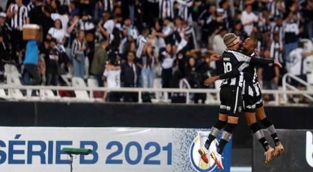 Botafogo bate o Brusque e continua na briga pela liderança da Série B
