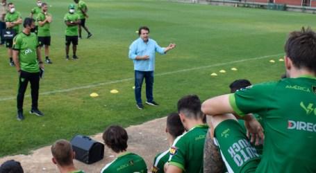 Coelho se reapresenta no Lanna e inicia preparação