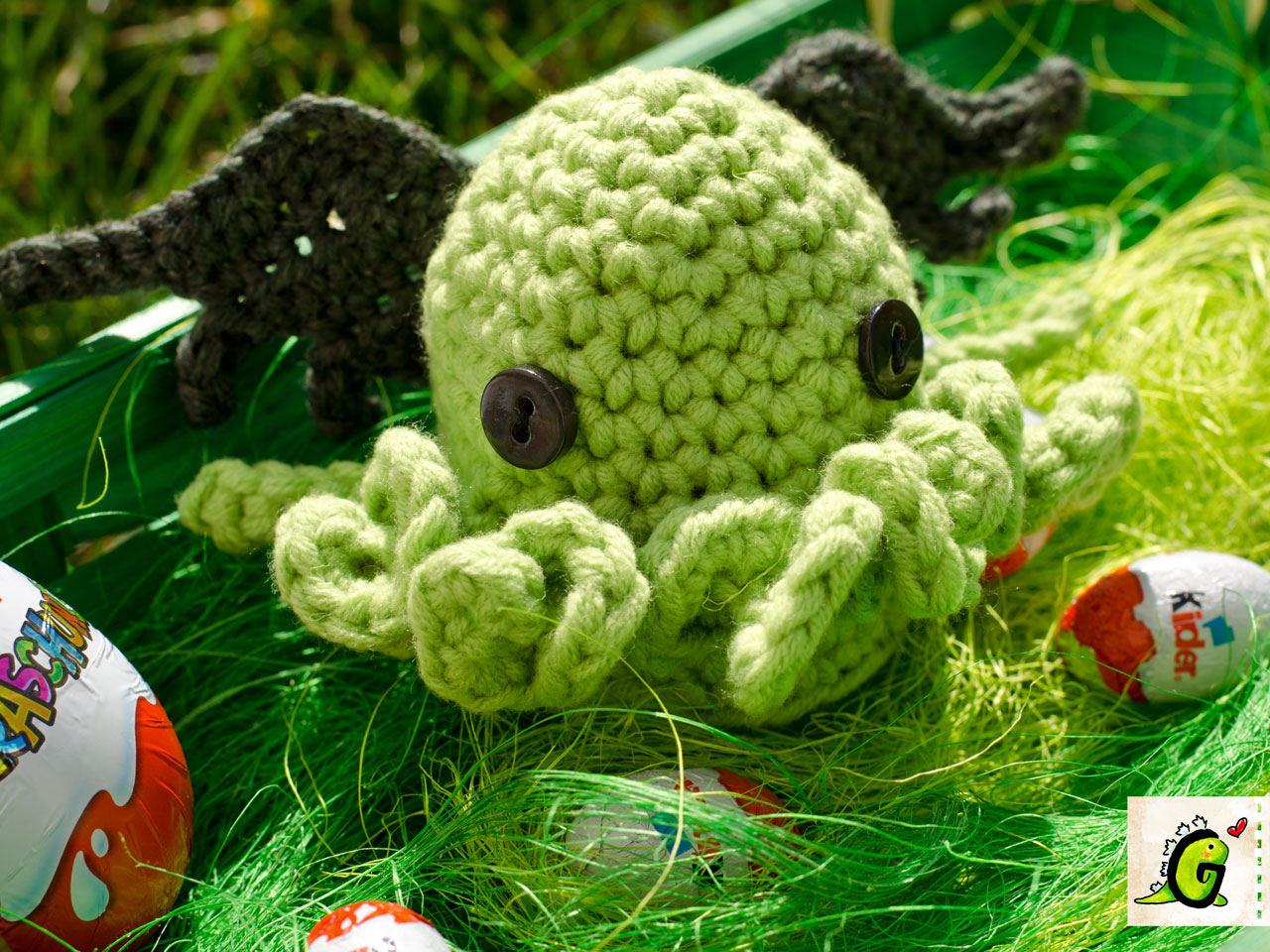 Groaaar cthulhu egg cozy this pattern is for private use only you are not allowed to sell this pattern or items made by using it bankloansurffo Choice Image