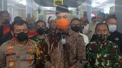 Pengajian Maulid Akbar Kembali Ditunda, Gubernur Ganjar, Kapolda Jateng, dan Pangdam Diponegoro Sowan ke Habib Luhfi