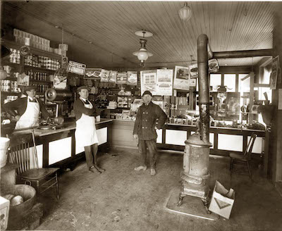 Grocer's shops in Detroit, circa 1922