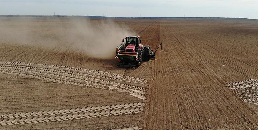 Белорусские аграрии провели сев ранних яровых более чем на половине площадей
