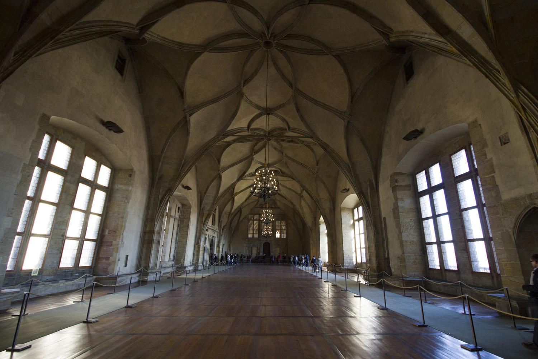De Vladislavzaal in de Old Royal Palace in Praag