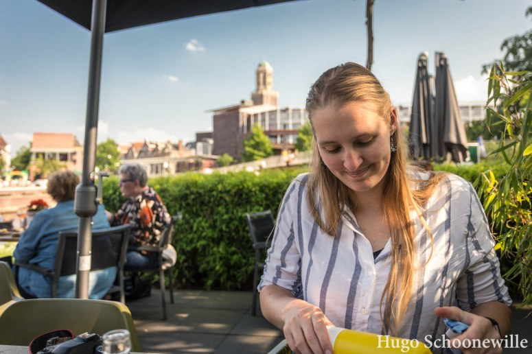 Op het terras van Hofvlietvilla in Zwolle: zon en mooi uitzicht