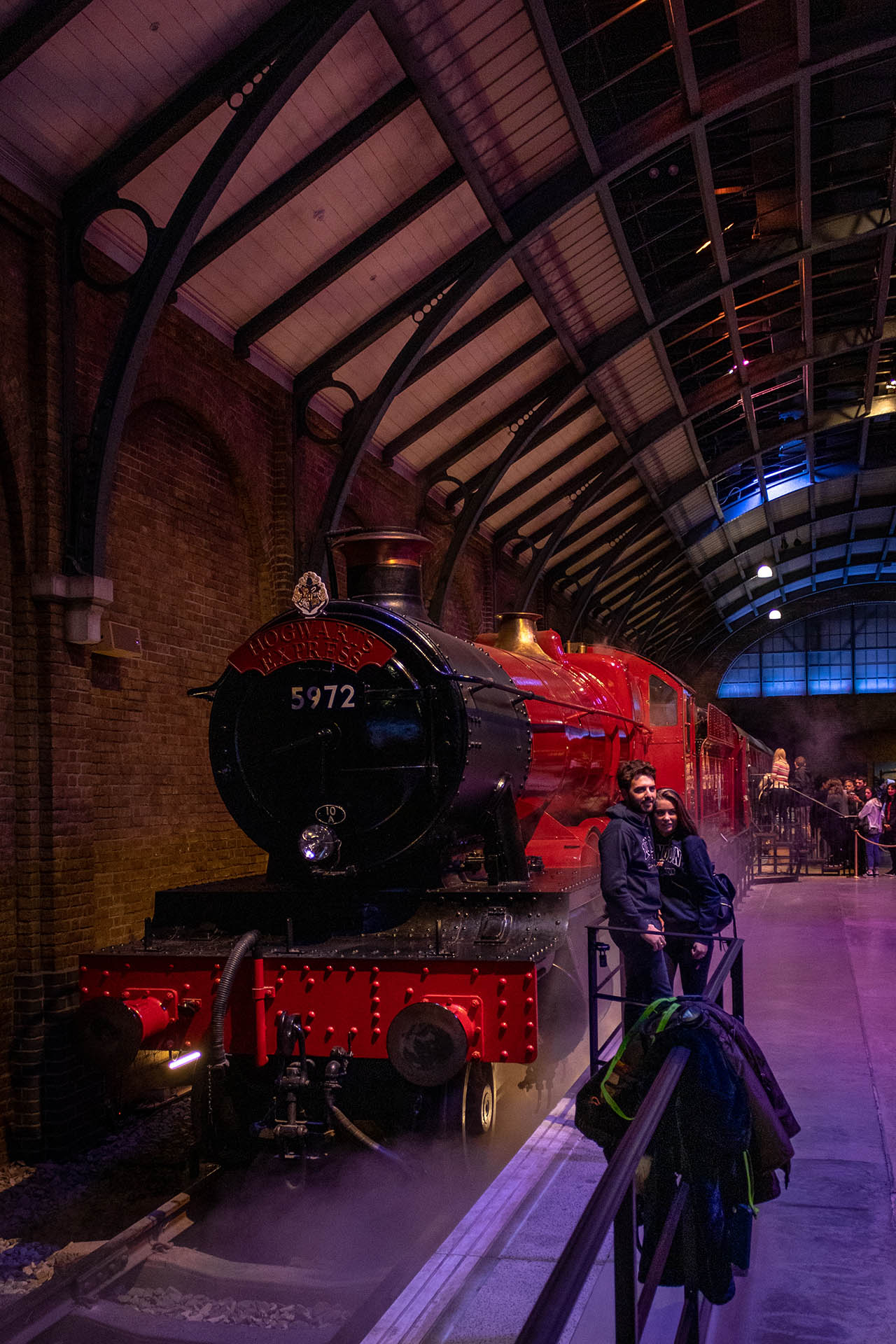 De Hogwarts Express op Platform 9 3/4 in de Studio Tour