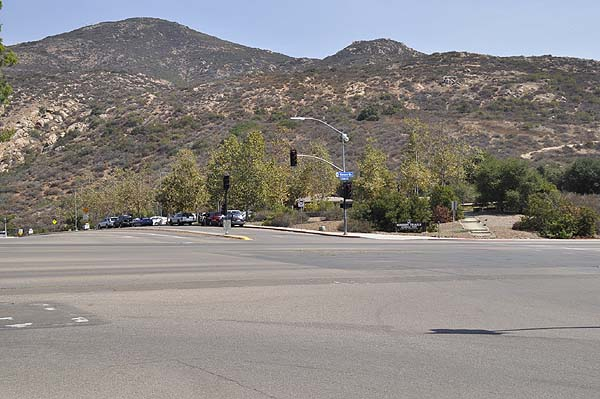Cowles Mountain staging area