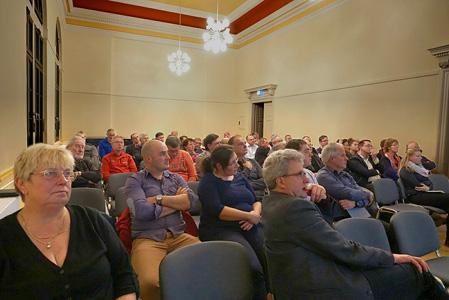 Publikum bei der Bürgerversammlung in Großschönau, November 2016