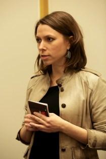 Katarzyna Sitko, a budapesti Lengyel Intézet igazgatója a Laboratórium című kiadvány bemutatóján
