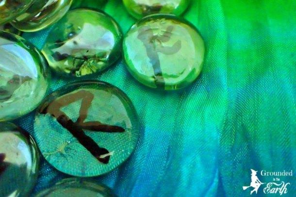 DIY Glassrunes
