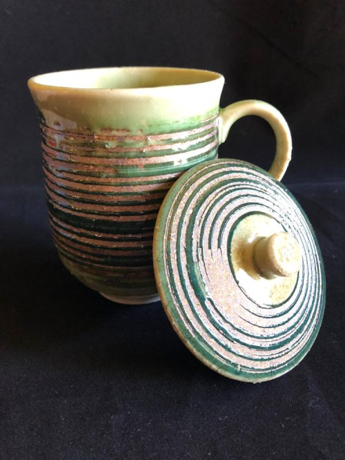 Mug with lid hakeme green