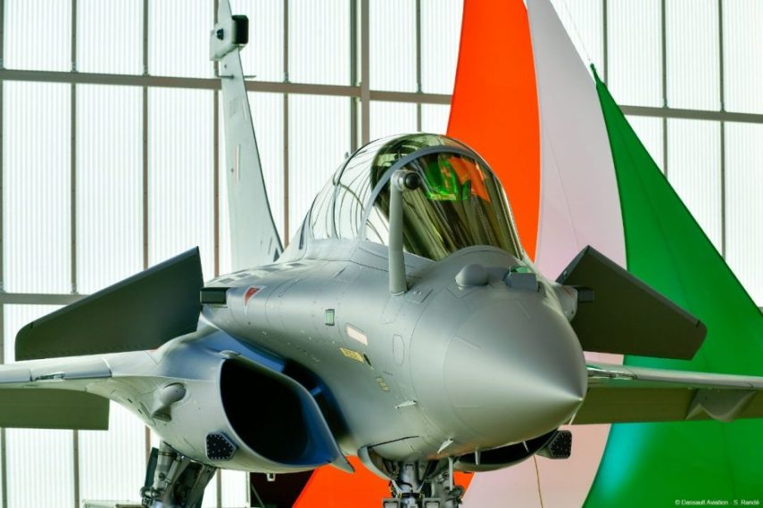 India receives first batch of Rafale fighters, to fly in Indian skies by May 2020</strong>