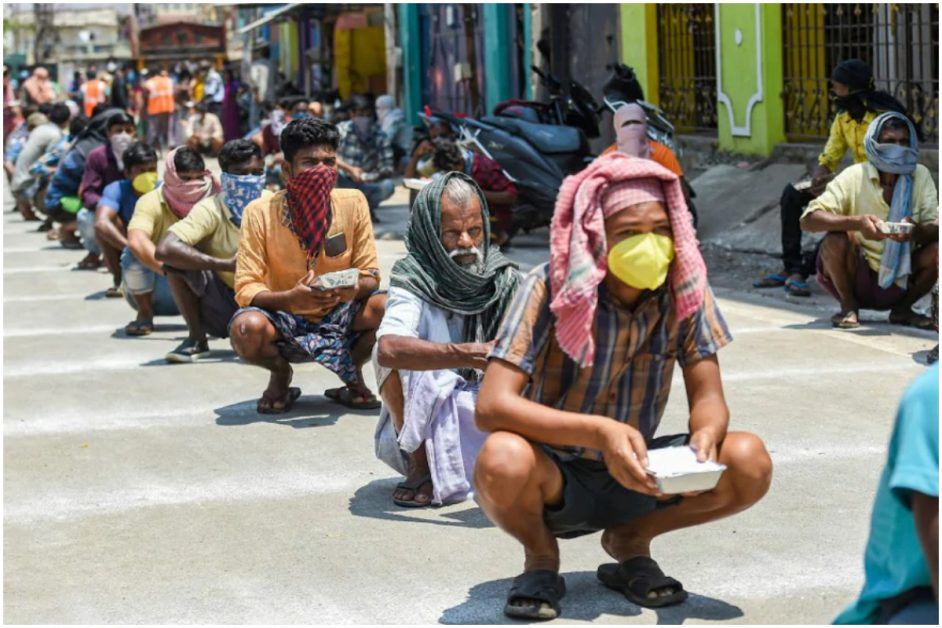 migrant labor facing problem lockdown and bad management of the system in india