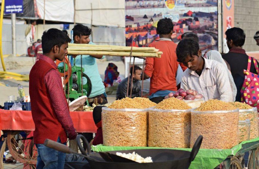 आत्मनिर्भर या कर्ज़निर्भर भारत?