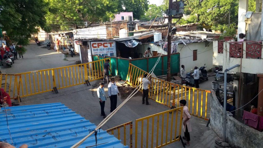 bhopal-panic-in-panchsheel-nagar-due-to-corona-positive-case-23398