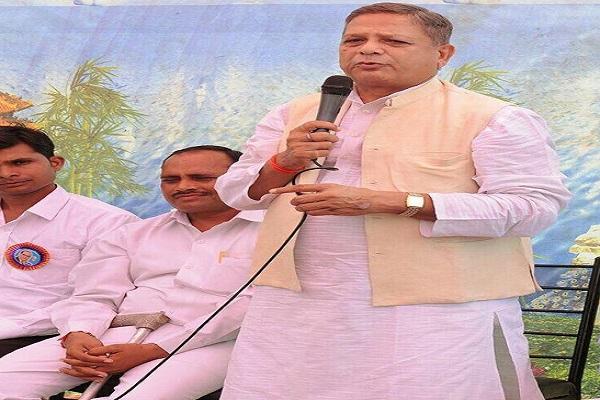 कांग्रेस अनुसूचित विभाग के प्रदेश अध्यक्ष महेंद्र बौद्ध के कमलनाथ पर गंभीर आरोप, पार्टी ने निष्कासित किया