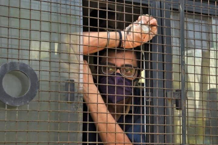 Arnab Goswami: Arnab Goswami: Arnab Goswami did not get bail, High court asked to go to lower court