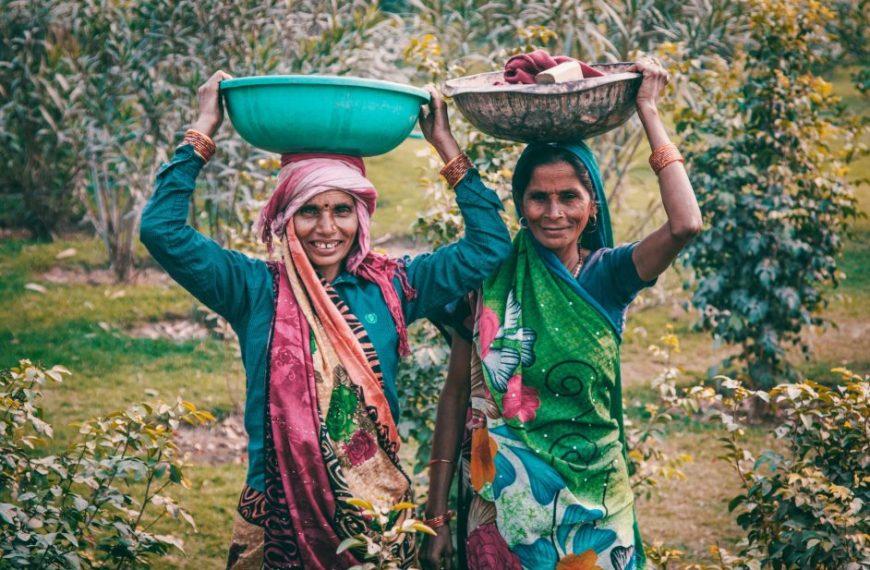 ग्रामीण महिलाएं अब मजदूरी छोड़कर अपना स्टार्टअप शुरू कर रही हैं