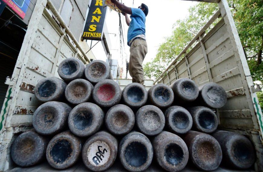 Supply oxygen or face contempt action: Delhi High Court directs Centre