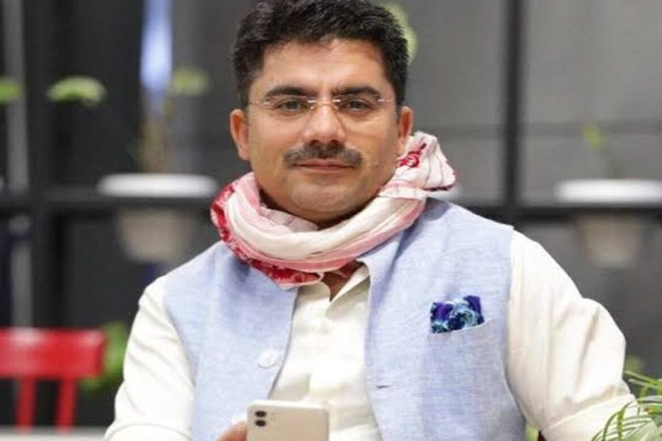 Rohit Sardana Famous anchor of aaj tak died