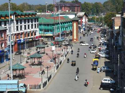 Panic in Kashmir: Non-locals leaving the valley