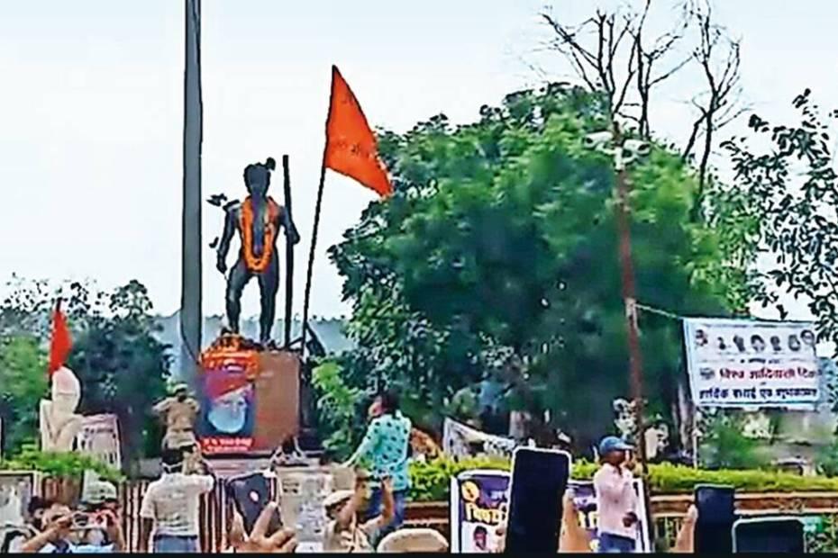 Now saffron flag hoisted on Bhil hero statue
