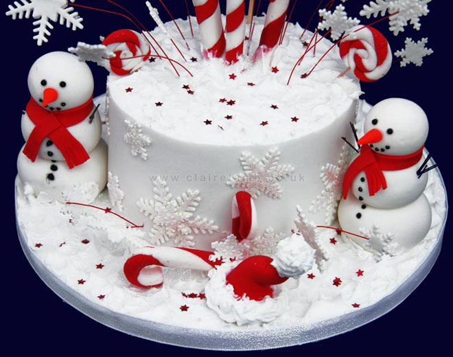 Order Christmas Cakes In Train