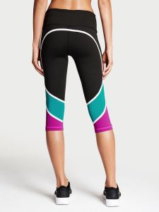 Workout pants for a Mother's Day gift guide