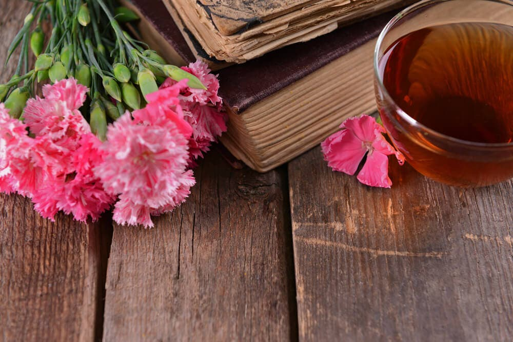 What are the benefits of clove tea?