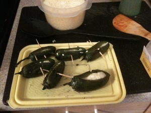 stuffed jalapeno pepper recipe, Stuffing Jalapeno Peppers with cheese