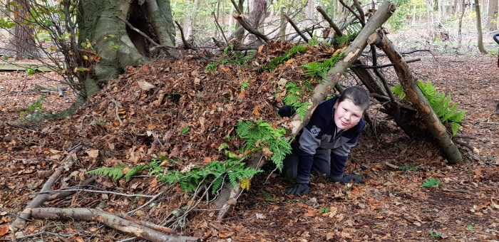 Build a den in the woods this autumn with your kids. Get outdoors and enjoy these fun easy activities