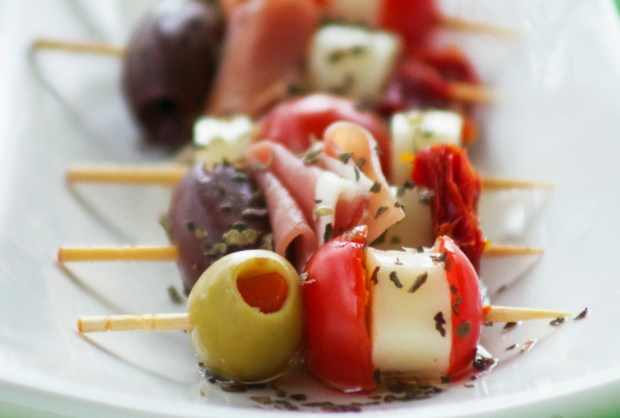 The olives and prosciutto give this snack lots of flavor.