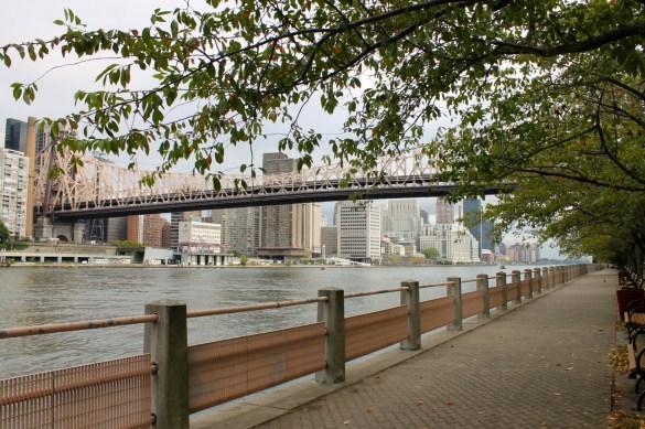 Roosevelt Island East Promenade with the Queensboro bridge.
