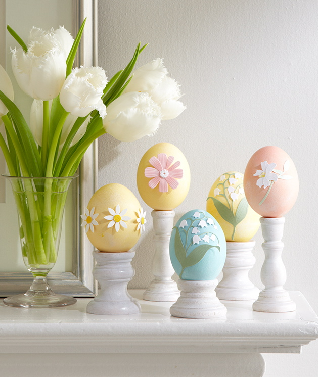 Easter eggs flowers decorating