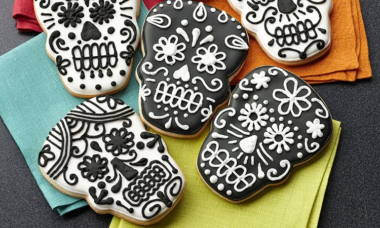 calavera skull cookies for Day of the Dead