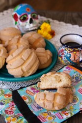 15 Traditional Day of the Dead Recipes for Celebrating Día de los Muertos!