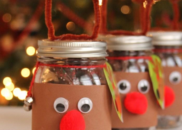 Giving Back This Holiday Season: DIY Reindeer Mason Jars